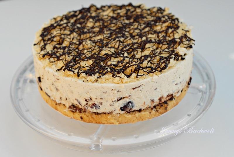 Kirsch-Stracciatella Torte
