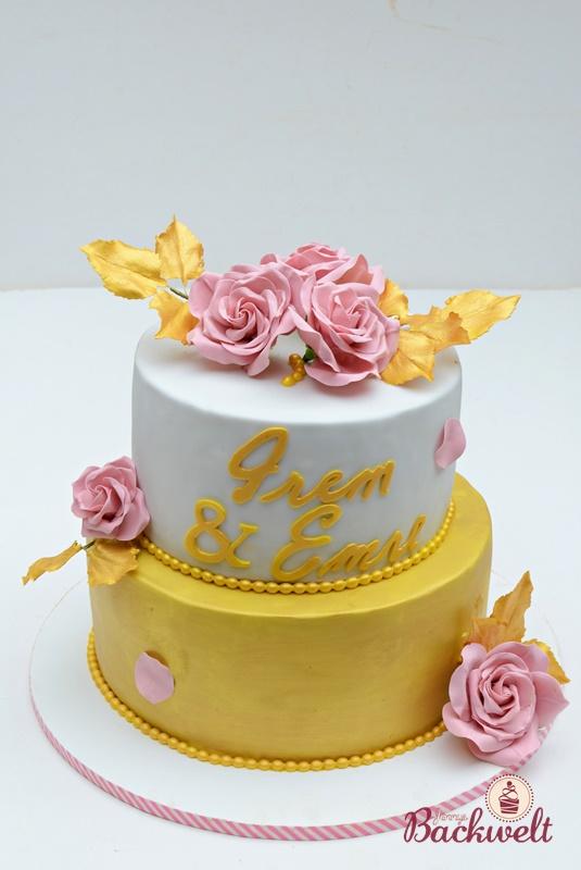 Hochzeitstorte In Gold Jennys Backwelt