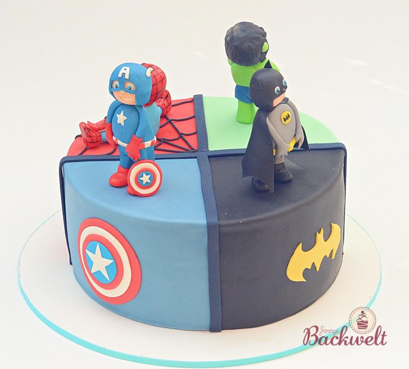 Superhelden Torte Mit Captain America Batman Hulk Und Spiderman